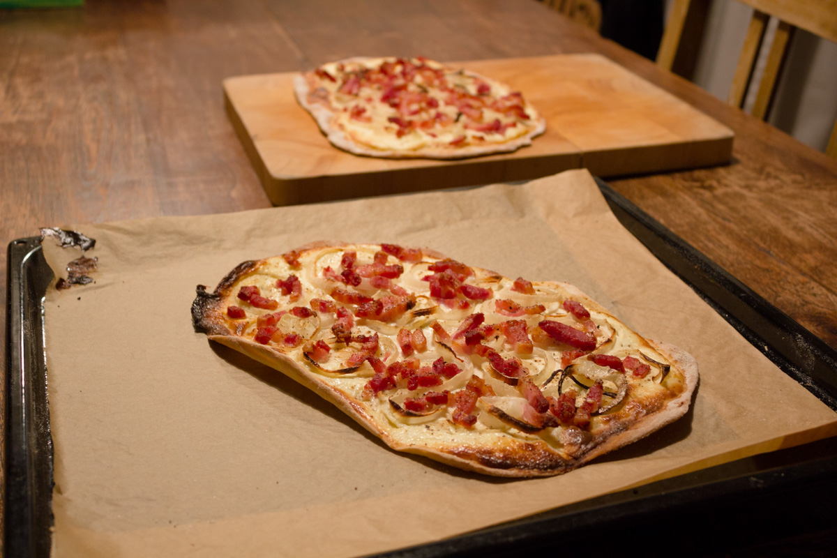 Recept: Flammkuchen met bacon en ui