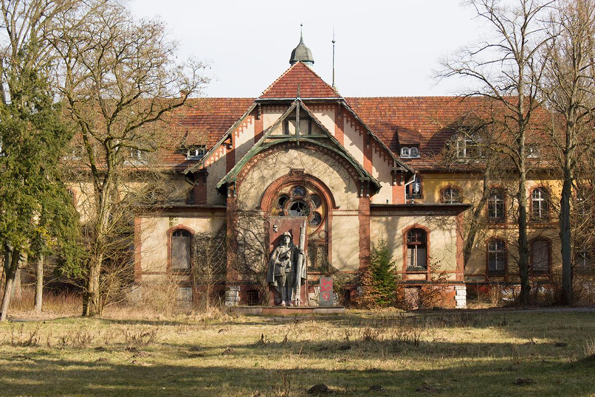 Abandoned Adventures - Beelitz Heilstatten 01