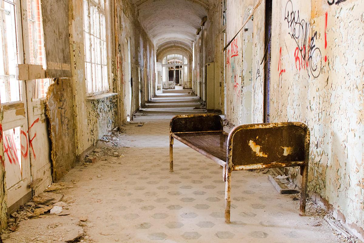 Abandoned Adventures - Beelitz Heilstatten_9244