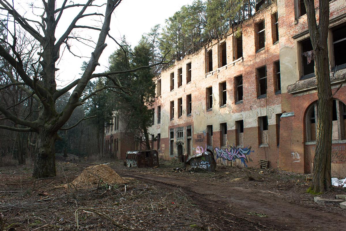 Abandoned Adventures - Beelitz Heilstatten_9288