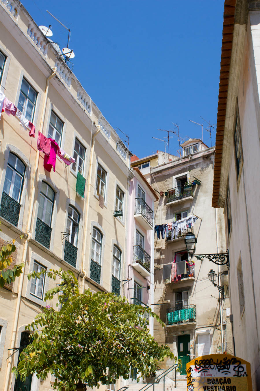 lisbon-streets-travel-tips-blackbirdsblossom-24