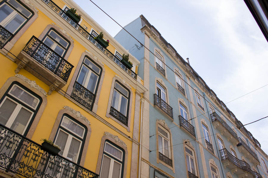 lisbon-streets-travel-tips-blackbirdsblossom-7