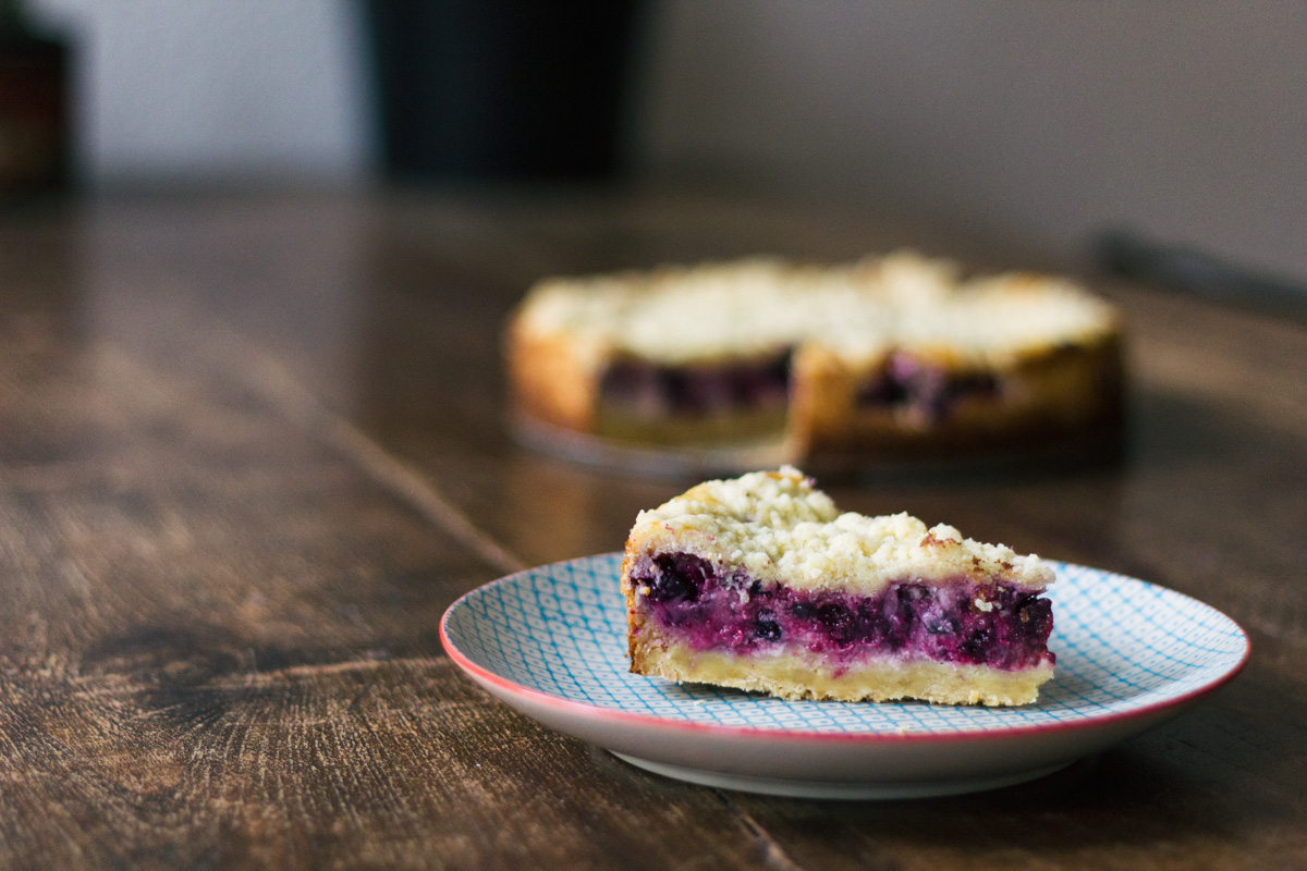 Recipe: Cheesecake with crumble and forest fruit