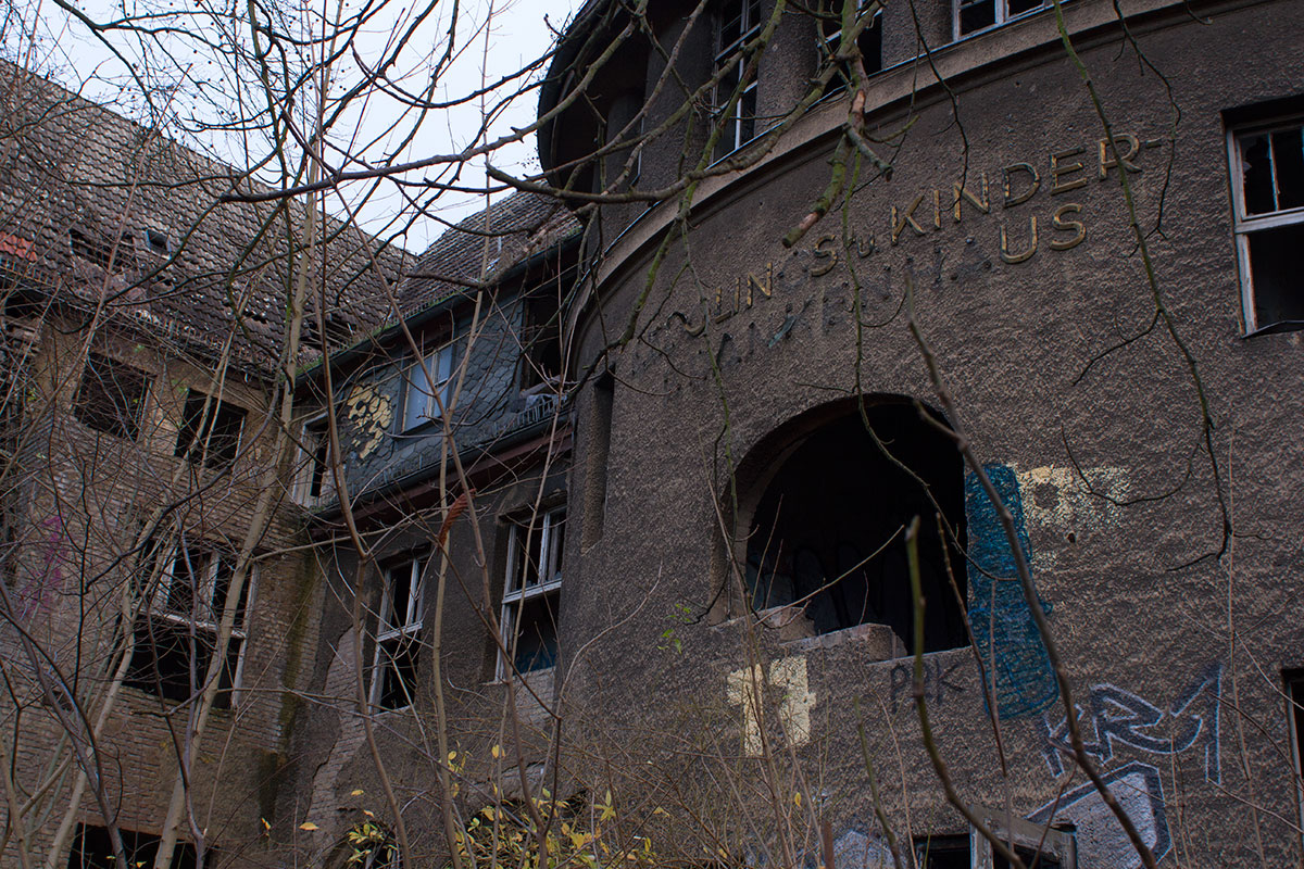 Abandoned - Weissensee - Kinderkrankenhaus -004