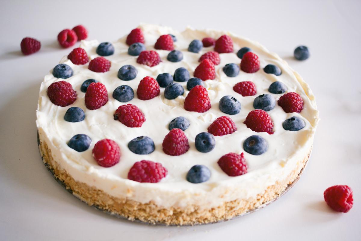blackbirdsblossom-white-chocolate-cheesecake-3