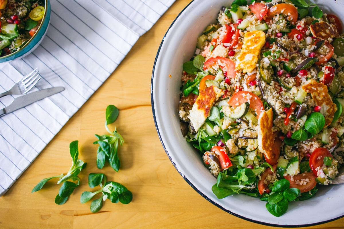 Recept: Mediterraanse bulgur salade met halloumi