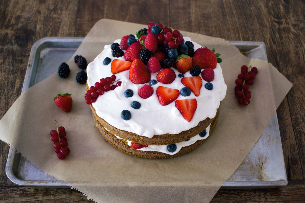Recipe: Naked Cake with lemon and berries